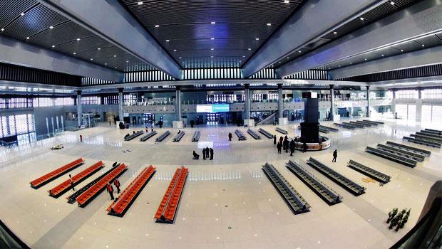 大同南站站房盛裝待客來